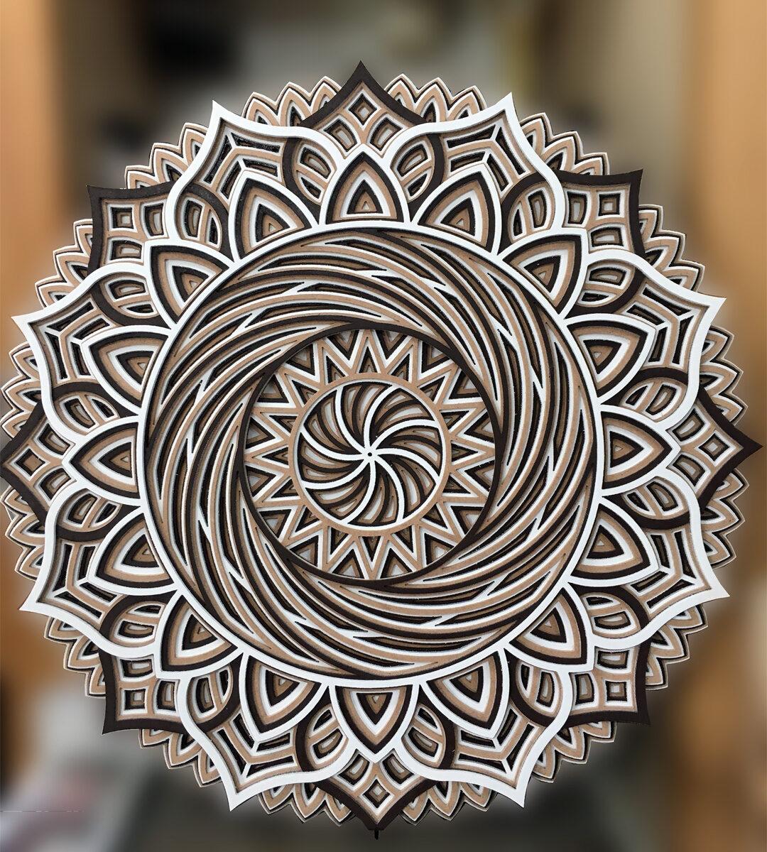 Mandala 3D, 3 couleurs 24'' de diamètre par 3/4''
